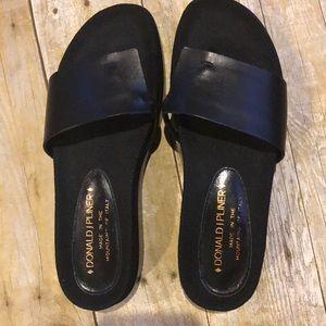 Donald J. Pliner | FIFi Flatforms Sandals NWOT